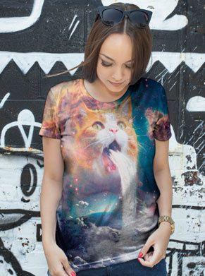 shirt met een kat die een waterval uitkotst